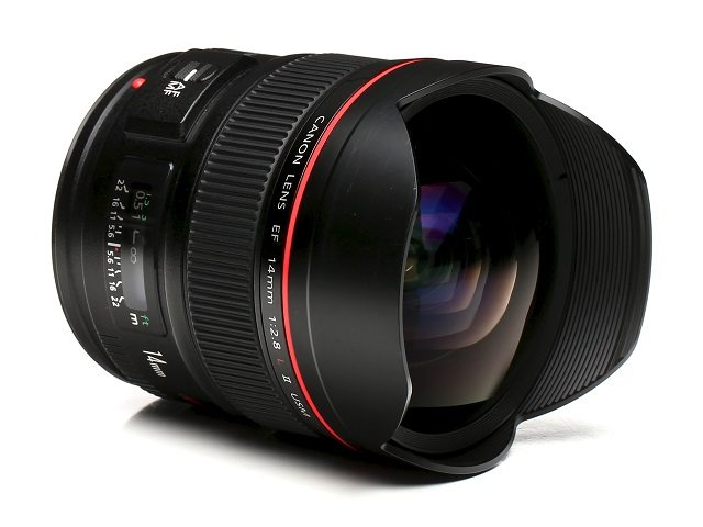 Canon 14mm f2.8L rectilinear Lens